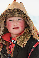Mongolie, province de Bayan-Olgii, jeune garçon Kazakh // Mongolia, Bayan-Olgii province, Kazakh young boy