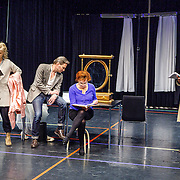 NLD//Amsterdam20160415 - Persdag toneelstuk In de Ban van Broadway, Martijn Nieuwerf, Tjitske Reidinga, Leny Breederveld en Loes Luca