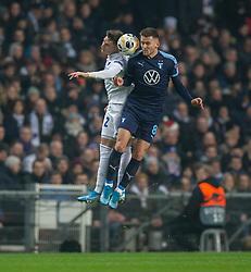 Guillermo Varela (FC København) og Arnór Ingvi Traustason (Malmö FF) under kampen i UEFA Europa League mellem FC København og Malmö FF den 12. december 2019 i Telia Parken (Foto: Claus Birch).