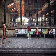 Prague. #czechrepublic #prag #praha #prague #hot #temperature #city #public #railwaystation #masarykovonadrazi #woman #man #bench #architecture #tschechien #latergram