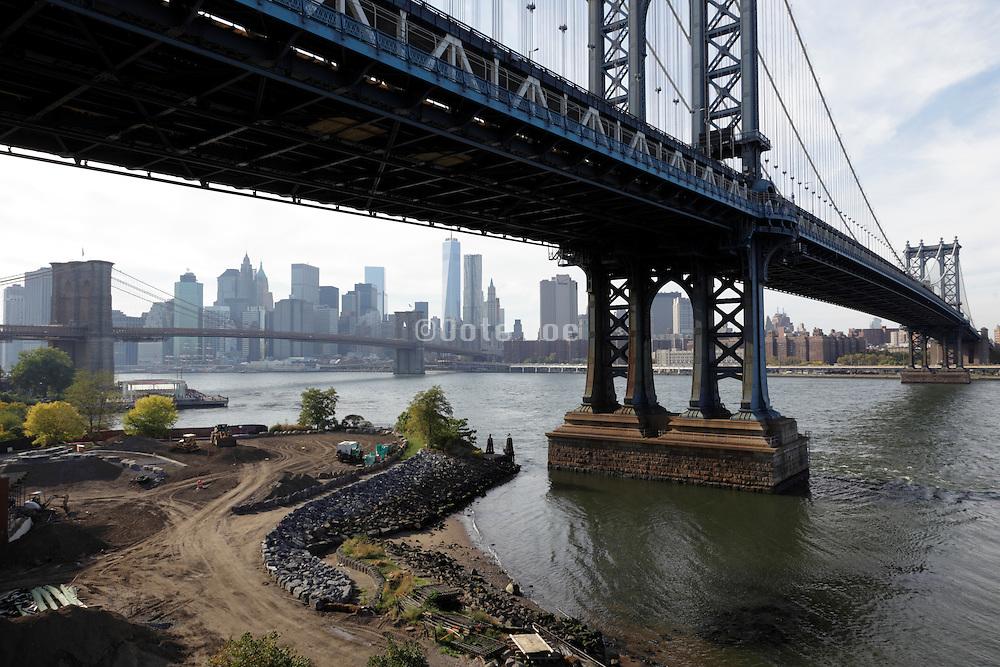 Manhattan and Brooklyn Bridge with view on downtown Manhattan