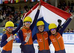 19-01-2014 SHORTTRACK: ISU EUROPEAN CHAMPIONSHIPS: DRESDEN<br /> In het EnergieVerbund Arena wordt het EK Shorttrack gehouden / Nederland Europees Kampioen relay - Sanne van Kerkhof (NED), Jorien ter Mors (NED), Lara van Ruijven (NED), Yara van Kerkhof (NED)<br /> ©2014-FotoHoogendoorn.nl