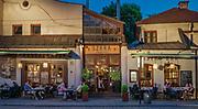 """Restauracja """"Szara"""" na ulicy Szerokiej na krakowskim Kazimierzu.<br /> """"Szara"""" restaurant on Szeroka Street in Krakow's Kazimierz district."""