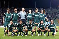Fotball<br /> UEFA Champions League<br /> Udinese v Panathinaikos<br /> Foto: imago/Digitalsport<br /> NORWAY ONLY<br /> <br /> 15.09.2005  <br /> <br /> Mannschaftsbild Panathinaikos, hi.v.li.: Mikael Nilsson, Sandor Torghelle, Torwart Mario Galinovic, Elias Kotsios, Igor Biscan und Ioannis Goumas; vorn: Constantinos Charalambides, Nassif Morris, Ezequiel Gonzales, Nordin Wooter und Anthony Seric