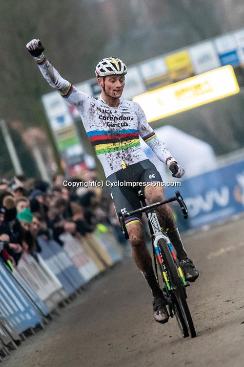 2019-12-27 Cycling: dvv verzekeringen trofee: Loenhout: Mathieu van der Poel books his 14th win this season