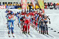 Langrenn<br /> FIS World Cup<br /> 03.01.2009<br /> Valm di Fiemme Italia<br /> Tour de Ski<br /> 10 km fellesstart<br /> Foto: Gepa/Digitalsport<br /> NORWAY ONLY<br /> <br /> Bild zeigt Virpi Kuitunen (FIN), Marit Bjørgen (NOR) und Arianna Follis (ITA)