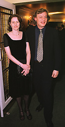 Actor MARTIN CLUNES and his wife PHILLIPA BRAITHWAITE, at a dinner in London on 4th March 1999.MPA 41
