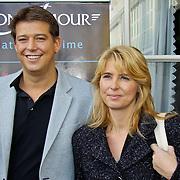 NLD/Volendam/20101018 - Cd presentatie Mon Amour, Aloys Buijs en zusje Alice