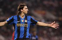 Fotball<br /> Italia<br /> Foto: Inside/Digitalsport<br /> NORWAY ONLY<br /> <br /> esultanza zlatan Ibrahimovic <br /> <br /> 19.10.2008<br /> Roma vs Inter