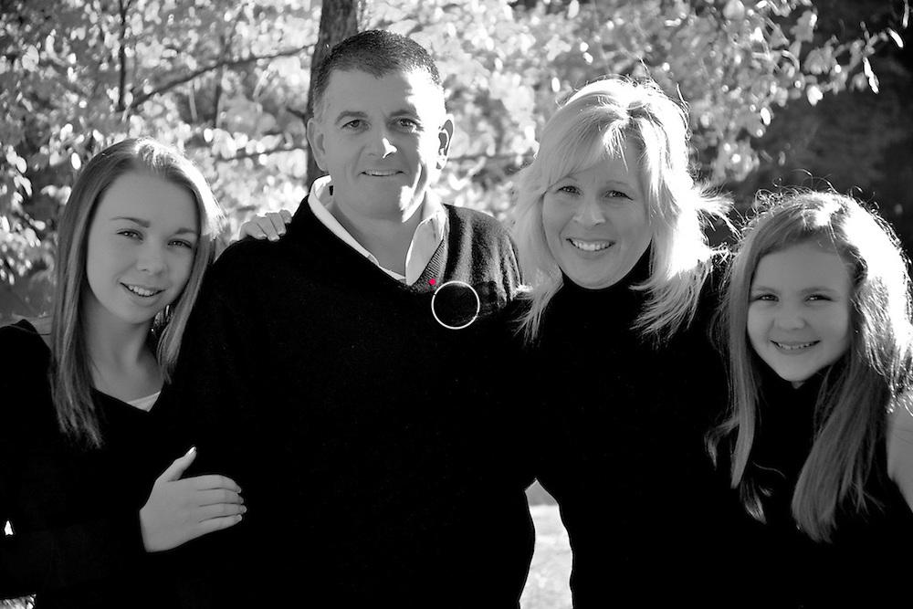 Family Pose SATIN