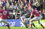 Leicester, Welford Road, Leicestershire, 30/09/2001, Leicester fly half, Andy Goode, during the,  Heineken Cup, match, Leicester Tigers vs Llanelli, Heineken Cup,<br /> [Mandatory Credit: Peter Spurrier/Intersport Images],<br /> Leicester Tigers v Llanelli Euro Cup  <br /> 29/9/01