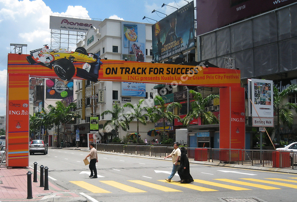 City scene from Kuala Lumpur with Renault advertising before the 2008 Malaysian Grand Prix in Sepang. Photo: Grand Prix Photo