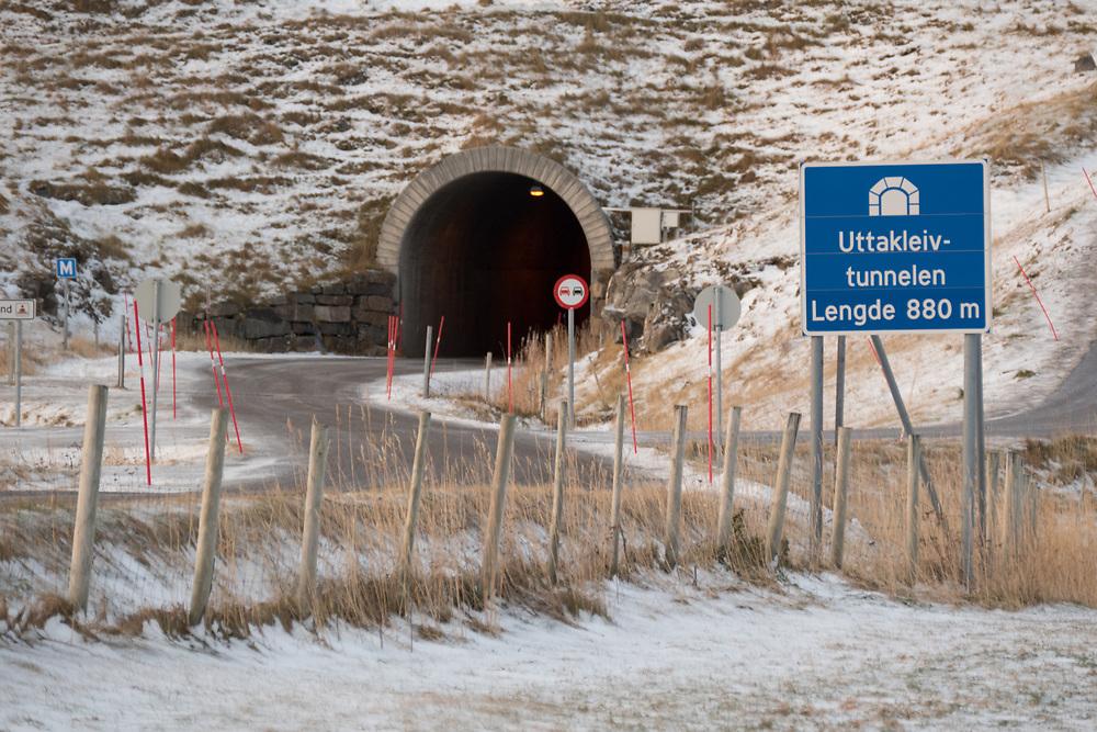 Uttakleiv er ei lita bygd i Lofoten, på yttersida av Vestvågøy. Uttakleivtunnelen er 880 meter lang.