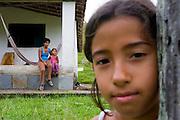 Santos Dumont_MG, Brasil...Familia beneficiada pela eletrificacao rural...A family benefited by the rural electrification...Foto: LEO DRUMOND / NITRO