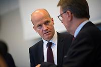 DEU, Deutschland, Germany, Berlin, 06.11.2018: Der CDU/CSU-Fraktionsvorsitzende Ralph Brinkhaus und Michael Grosse-Brömer, Erster Parlamentarischer Geschäftsführer CDU/CSU, vor Beginn der Fraktionssitzung der CDU/CSU.