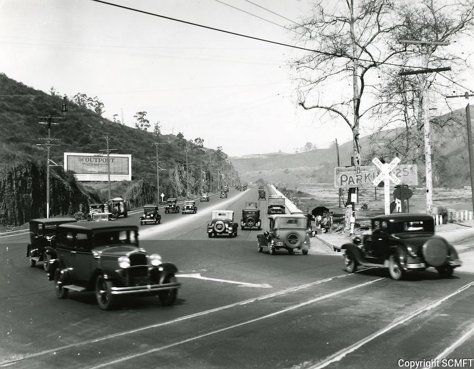 1929 Cars in the Cahuenga Pass
