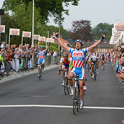 Kenny van Hummel wint de 57e ronde van Overijssel.