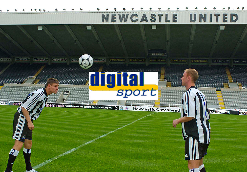 Photo. Jed Wee, Digitalsport<br /> Newcastle United Press Conference, 30/07/2004.<br /> Newcastle's new signings James Milner (L) and Nicky Butt engage in a quick spot of head tennis.