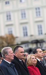 26.10.2016, Heldenplatz, Wien, AUT, Nationalfeiertag und Angelobung der neuen Rekruten. im Bild v.l.n.r. Vizekanzler und Minister für Wirtschaft und Wissenschaft Reinhold Mitterlehner (ÖVP), Bundesminister für Landesverteidigung und Sport Hans Peter Doskozil (SPÖ), Nationalratspräsidentin Doris Bures (SPÖ) und Bundeskanzler Christian Kern (SPÖ) // f.l.t.r. Vice Chancellor of Austria and Minister of Science and Economy Reinhold Mitterlehner, Austrian Minister of Defence and Sport Hans Peter Doskozil, President of the National Council Doris Bures (SPOe) and Federal Chancellor of Austria Christian Kern during Austrian National Day at Heldenplatz in Vienna, Austria on 2016/10/26 EXPA Pictures © 2016, PhotoCredit: EXPA/ Michael Gruber