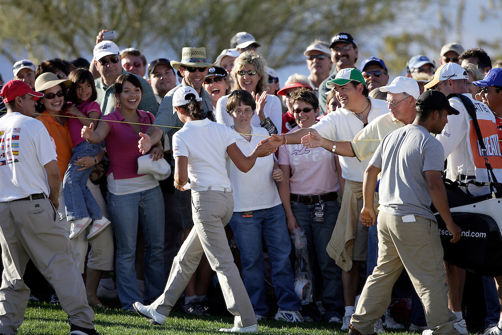 SUPERSTITION MOUNTAIN, AZ, March 24, 2007:   Lorena Ochoa is cheered by fans at the Safeway International LPGA tournament in Superstition Mountain, AZ on March 24, 2007.