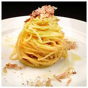 Le Ricette Tradizionali della Cucina Italiana.Italian Cooking Recipes. Spaghetti alla carbonara