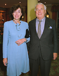 SIR FRANCIS & LADY DASHWOOD at a reception in London on 22nd March 1999.MPO 18