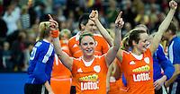 LEIPZIG -   Vreugde bij Claire Verhage en Karin den Ouden (r)   tijdens de finale tussen de vrouwen van Nederland en Duitsland (1-1)  bij het WK Zaalhockey . Nederland wint na shoot-outs COPYRIGHT KOEN SUYK