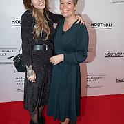 NLD/Amsterdam/20200206 - Ballet premiere Frida, Dionne Slagter en haar moeder