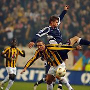 NLD/Arnhem/20051211 - Voetbal, Vitesse - Ajax, Stijn Vreven en Markus Rosenberg