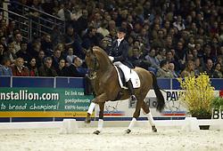 Beckers Kirsten-Norway<br />KWPN hengstenkeuring 2003<br />Photo © Dirk Caremans