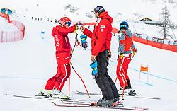 09.02.2021, Cortina, ITA, FIS Weltmeisterschaften Ski Alpin, Super G, Damen, im Bild v.l. Ariane Raedler (AUT), Christian Mitter (Sportlicher Leiter ÖSV Ski Alpin Damen) // left to right: Ariane Raedler of Austria Austrian Ski Association head Coach alpine Ladies Christian Mitter during Ladies Super G of FIS Alpine Ski World Championships 2021 in Cortina, Italy on 2021/02/09. EXPA Pictures © 2021, PhotoCredit: EXPA/ Johann Groder