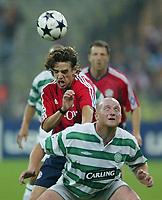 v.l. Owen Hargreaves Bayern, John Hartson<br /> Champions League FC Bayern München - Celtic Glasgow<br /> Norway only
