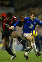 Fotball<br /> Premier League England 2004/2005<br /> Foto: SBI/Digitalsport<br /> NORWAY ONLY<br /> <br /> Everton v Manchester City<br /> Barclays Premiership<br /> 26/12/2004<br /> <br /> Kevin Kilbane of Everton tussles with Chinedum Onuoha of Manchester City.