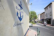 blanc bleu graffiti, Saint-Tropez, France