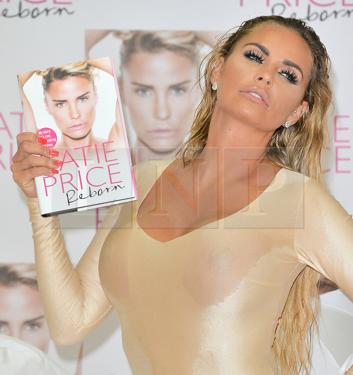 """© Licensed to London News Pictures. 21/09/2016. KATIE PRICE launches her new autobiography book """"Reborn' at Worx studio's. London, UK. Photo credit: Ray Tang/LNP"""