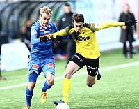 Fotball ,  OBOS-Ligaen<br /> 07.04.19<br /> Nammo Stadion<br /> Raufoss v Sandefjord  0-2<br /> Foto :  Dagfinn Limoseth , Digitalsport<br /> Lars Pontus Engblom , Sandefjord og Edvard Linnebo Race , Raufoss