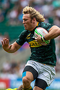 """Twickenham, United Kingdom, South African, Werner KOK, """"hands off """", Australian defenders in the Cup Quarter Final RSA vs AUS., 26th May 2019, HSBC London Sevens,  played at  the  RFU Stadium, Twickenham, England, <br /> © Peter SPURRIER: Intersport Images<br /> <br /> 11:14:38 26.05.19"""