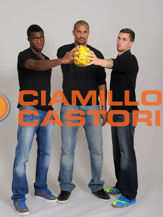 DESCRIZIONE : Handball Tournoi de Cesson Homme<br /> GIOCATORE : ABALO Luc DINART Didier HONRUBIA Samuel<br /> SQUADRA : Paris Handball<br /> EVENTO : Tournoi de cesson<br /> GARA : Paris Handball <br /> DATA : 07 09 2012<br /> CATEGORIA : Handball Homme<br /> SPORT : Handball<br /> AUTORE : JF Molliere <br /> Galleria : France Hand 2012-2013 Magazine<br /> Fotonotizia : Tournoi de Cesson Homme<br /> Predefinita :