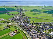 Nederland, Noord-Holland, Gemeente Edam-Volendam, 07-05-2021; Oosthuizen, Westeinde en Raadhuisstraat. Oostdijk van de Beemster.<br /> IJsselmeer in het verschiet.<br /> <br /> luchtfoto (toeslag op standaard tarieven);<br /> aerial photo (additional fee required)<br /> copyright © 2021 foto/photo Siebe Swart.