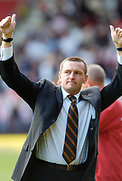 Photo: Leigh Quinnell.<br /> Watford v Sheffield United. Coca Cola Championship.<br /> 17/09/2005. Watford manager Adrian Boothroyd still gives fans the thumbs up.