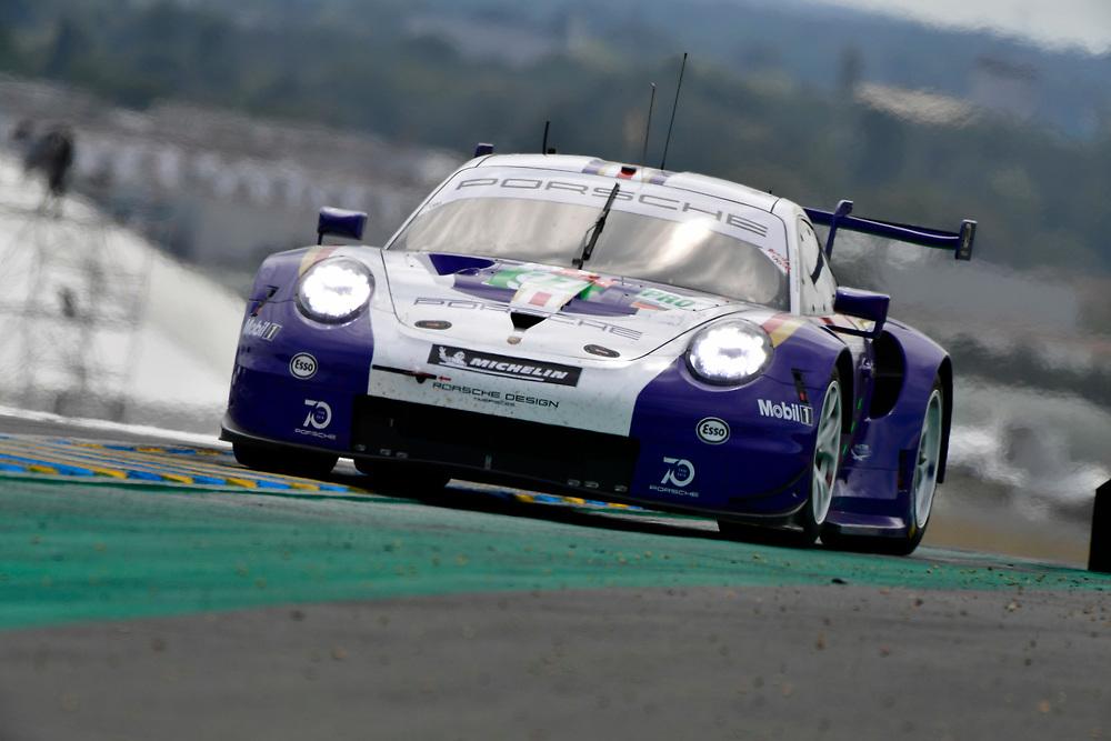 #91 Porsche GT Team Porsche 911 RSR: Richard Lietz, Gianmaria Bruni, Frédéric Makowiecki<br /> Saturday 16 June 2018<br /> 24 Hours of Le Mans<br /> 2018 24 Hours of Le Mans<br /> Circuit de la Sarthe  FR<br /> World Copyright: Scott R LePage