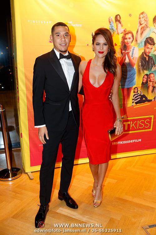 NLD/Amsterdam/20181122 - Premiere First Kiss, Hedwiges Maduro en partner Elize