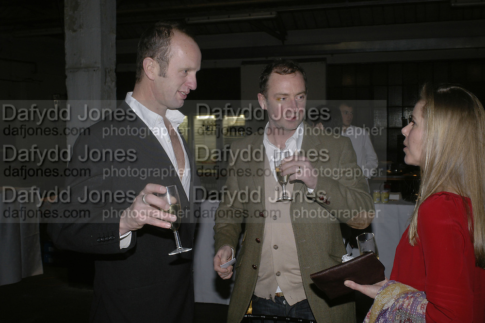 Johnnie Shand Kydd and Gary Hume, Aperiatur Terra, Private View of work by  Anselm Kiefer<br />White Cube, Mason's Yard. - Afterwards dinner at the  NCP Brewer Street (Top<br />Floor)  London, 25 January 2007. -DO NOT ARCHIVE-© Copyright Photograph by Dafydd Jones. 248 Clapham Rd. London SW9 0PZ. Tel 0207 820 0771. www.dafjones.com.