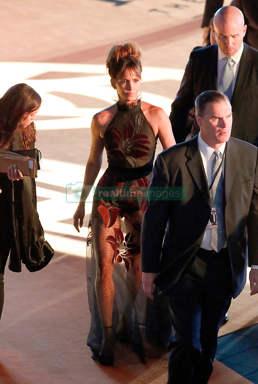 Halle Berry is seen leaving after attending the 'Kingsman: The Golden Circle' World Premiere at Odeon Leicester Square, while his bodyguard can not help looking at the artist's backside on September 18, 2017 in London, England. 18 Sep 2017 Pictured: Halle Berry. Photo credit: MEGA TheMegaAgency.com +1 888 505 6342