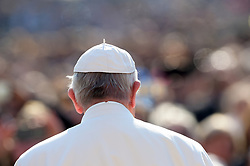 Pope Francis attends the weekly general audience in Saint Peter's square at the Vatican on April 5, 2017. Photo by Eric Vandeville/ABACAPRESS  | 588300_009 Vatican City Vatican Vatican (or Holy See)