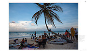 """""""Tulum, un paraíso turístico mexicano, se convierte en escenario de disputas y desalojos violentos"""", The New York Times, Mexico, 18 de agosto de 2016. Photographs by Rodrigo Cruz."""