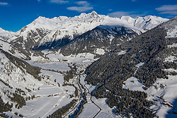 THEMENBILD - Übersicht auf das Kalser Tal mit den Ortsteilen Lana, Ködnitz, Glor, Grossdorf und Burg, im Hintergrund der Schneebedeckte Grossglockner (3.798m), am Montag 4. Jannuar 2021 in Kals // Overview of the Kalser valley with Lana, Ködnitz, Glor, Grossdorf and Burg, in the background the snow covered mountain Grossglockner (3798m) on Monday, January 4 2021 in Kals. EXPA Pictures © 2021, PhotoCredit: EXPA/ Johann Groder
