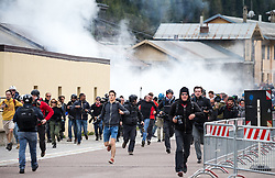 """07.05.2016, Grenzübergang, Brenner, ITA, Demonstration gegen Grenzsicherungsmaßnahmen am Brenner. Linksaktivisten rufen unter dem Motto """"Tag des Kampfes"""" zur Demonstration am Brenner auf, im Bild Übersicht af die Ausschreitungen, Übergriffe der Aktivisten auf Polizisten // Overview of the riots, assaults of activists to police. Left activists call under the slogan """"Day of the Fight"""" to Demonstration at the border """"Brenner"""". The demonstration is directed against the planned border security measures at the border from Italy to Austria, The Brenner Pass is one of the most important border crossings in Europe. Brenner, Italy on 2016/05/07. EXPA Pictures © 2016, PhotoCredit: EXPA/ Johann Groder"""