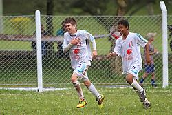 Lance da partida entre as equipes do Juventus e Guarani, válida pela Copa Coca-Cola, no campo do Parque Floresta Imperial, em Novo Hamburgo. FOTO: Lucas Uebel/Preview.com