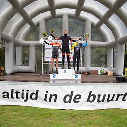 04-10-2020: Wielrennen: Geopark Classic: Gasselte<br /> Podium Amateurs Cor van Leeuwen, Koen Paalman, Guido Tuyl